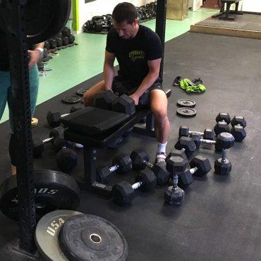 Wie finde ich das richtige Gewicht im Krafttraining?
